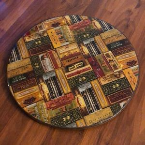 Lazy Susan turntable.